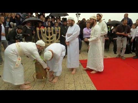 شاهد: اليهود الإسرائيليون يستعدون للاحتفال بعيد الفصح  - 12:54-2019 / 4 / 19