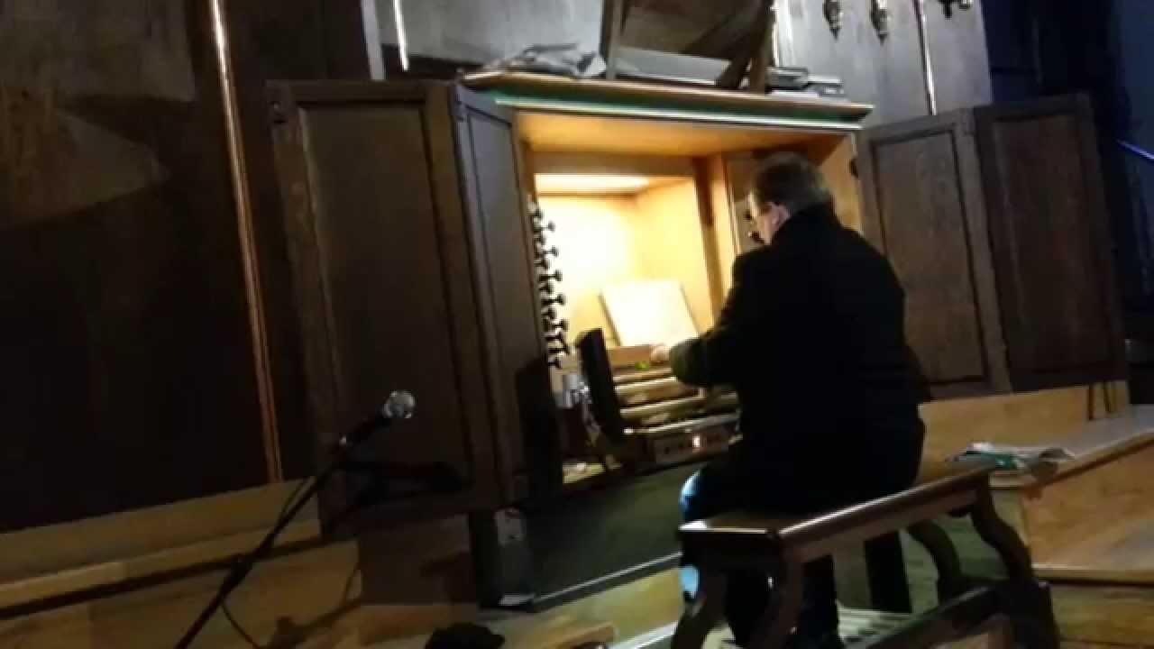 To wykonanie Bolero Ravela zagrane na organach kościelnych wgniata w fotel!
