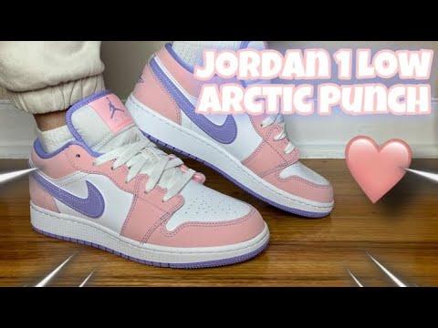 Air Jordan 1 Low SE GS 'Arctic Punch'