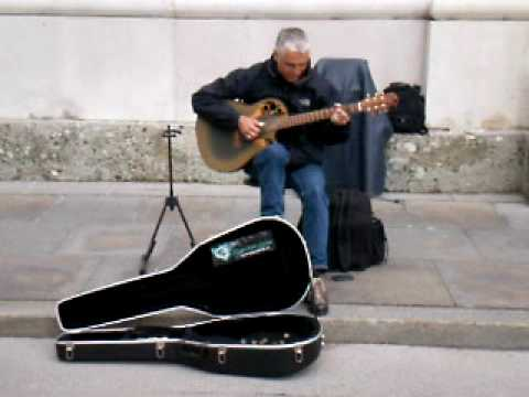 Killing me Softly with his song (and guitar playing skills) in Salzburg