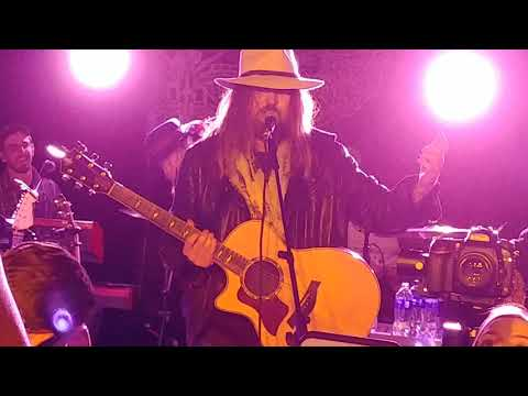 billy-ray-cyrus---old-town-road-(live)
