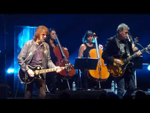"""Dont Bring Me Down"" Jeff Lynne's ELO@Radio City Music Hall New York 9/16/16"