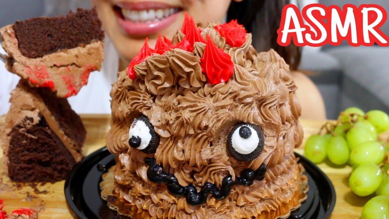ASMR CUTEST 🤪 CHOCOLATE CAKE AND MILK Eating Sounds MUKBANG 먹는 먹방 TWILIGHT
