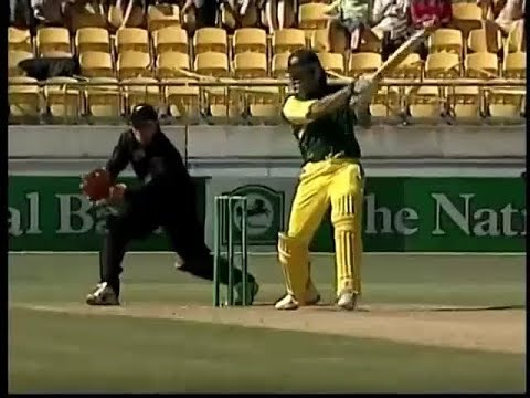 BRUTE POWER! Andrew Symonds 156 vs NZ - 8 sixes and 12 fours