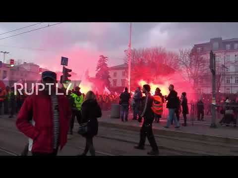 Poland: Warsaw skies blaze red as thousands of Nationalists celebrate Independence Day