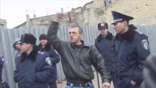 Правый сектор следит за порядком во время марша в Одессе
