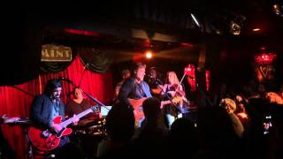 russell crowe singing folsom prison blues with alan doyle