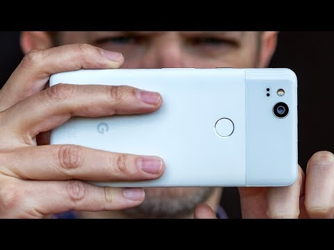 Google Pixel 2 first look