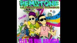 LOS REM STONE & DJ BELLACON - TU ERES UNA BANDIDA LIVE  - LOS FAMOSITOS DEL VECINDARIO.wmv