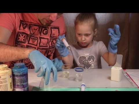 Детские поделки своими руками  Как сделать игрушку подарок из пластика