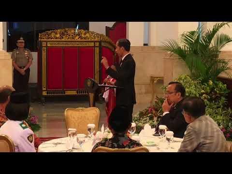 Image of Begini Tingkah Joni di Depan Jokowi