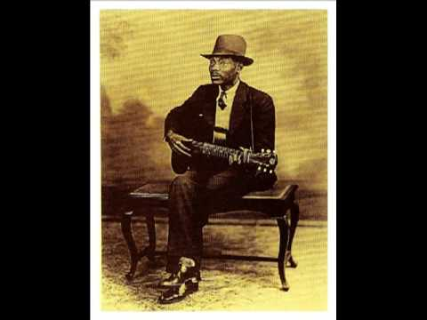 What's That Smells Like Fish - BLIND BOY FULLER (1938) Ragtime Blues Guitar