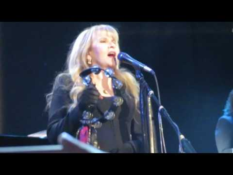 Stevie Nicks - Prudential Center 4-2-2017 singing Enchanted