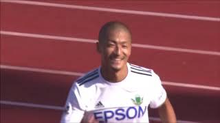 トリッキーなパスに反応して最終ラインを抜け出した前田 大然(松本)が...