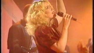 "Kim Wilde ""Love Is Holy""  - UK TOTP 1992"