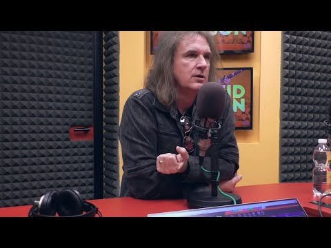 """David Ellefson """"Very Hopeful"""" Dave Mustaine Will Recover From Cancer"""