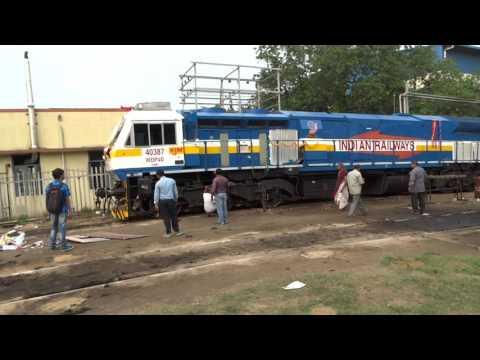 "Krishnarajapuram WDP-4D #40387 ""PRATAP"" cranking-up in KJM"