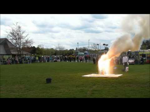 7 kilos of thermite and a hydrogen/oxygen balloon explosion