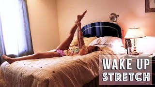 Wake Up Stretch | Gentle Yoga Routine In Bed