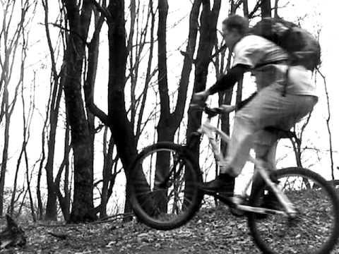 Горный велосипед в ровном Киеве - YouTube