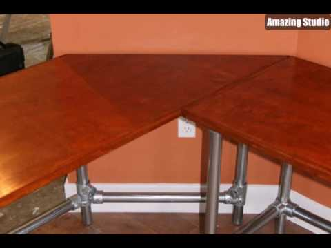 Möbel Design -- handgemachter Schreibtisch mit attraktiver Form ...