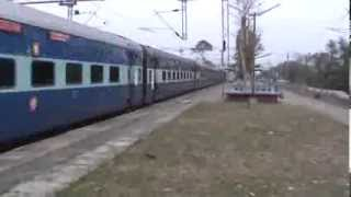 Heavyweight of SER, i.e. 25 coaches Coromandel Superfast disappears in 20 seconds!!!