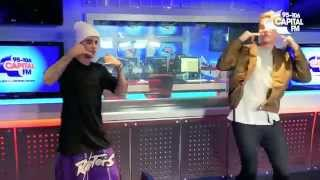 "Justin Bieber dancing ""Hotline Bling"" by Drake."