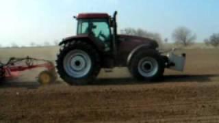 Setí ječmene autopilotem Trimble 500 RTK VRS, farma Zdeněk Ort, Křičov, okr. H. Králové (únor 2011)