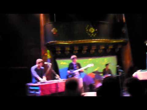Toro y Moi - Blessa GMA San Francisco 3.24.11 HD