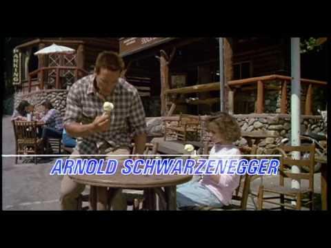 Commando - Arnold Schwarzenegger with tree!