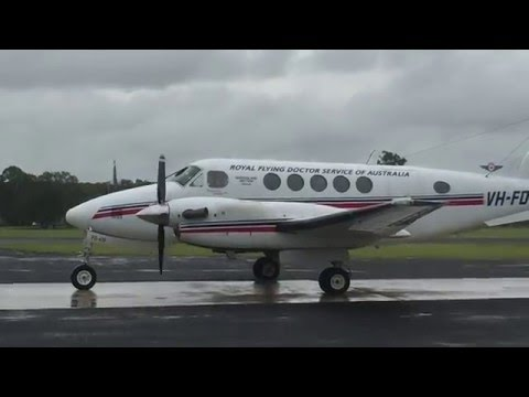 RFDS B200 King Air | Rainy Arrival & Departure at Kingaroy Airport | Royal Flying Doctor Service