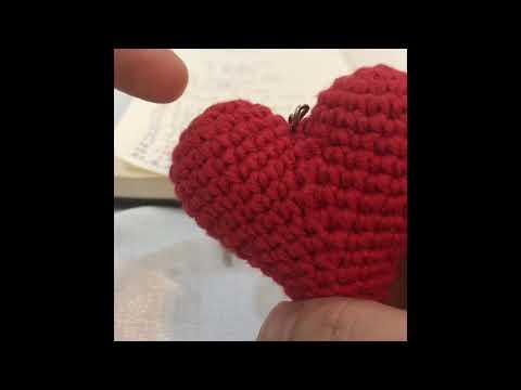Easy crochet heart FREE PATTERN - KNITTED STORY BEARS   360x480