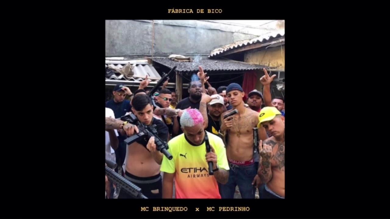 MC Brinquedo - Fábrica De Bico pt. MC Pedrinho (Áudio Oficial)