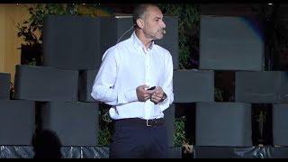 La importancia de encontrar y seguir tu pasión   Rafael Ortíz   TEDxAlcarriaSt