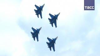 Русские витязи  впервые выступили на истребителях Су 30СМ