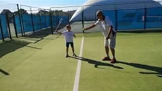 Теннис :) (ч.15). Как научиться правильно смотреть на мяч. Дети. Техника теннисных ударов.