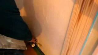 左官屋さん 珪藻土塗り壁の作業風景|木の家 長野県 工務店 工房信州の家