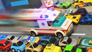 Disney Cars : Ambulance's Emergency Racing! - StopMotion