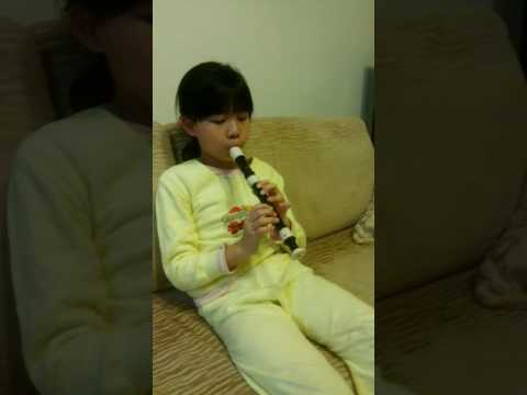 Rudolph, the red nosed reindeer by blowing recorder