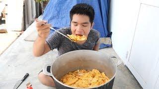 Làm Nồi Trứng Chiên Khổng Lồ Siêu Cay To Nhất Việt Nam   TQ97