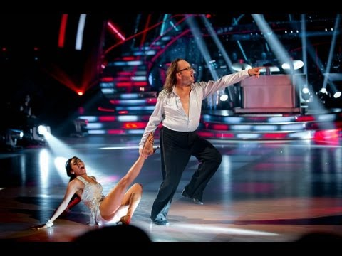 Dave Myers & Karen Cha Cha to 'Moves Like Jagger' - Strictly Come Dancing 2013 Week 1 - BBC One