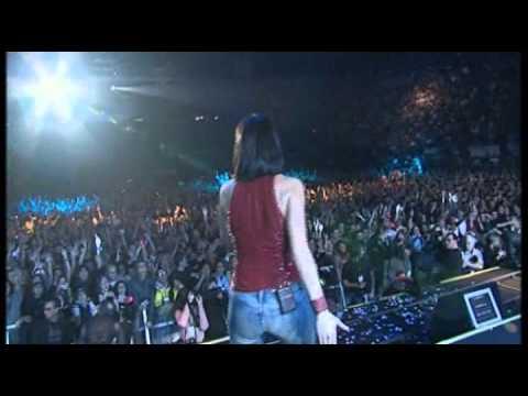 Laura Pausini & Biagio Antonacci - Tra Te E Il Mare (Live in Milano min 39 to 43).avi