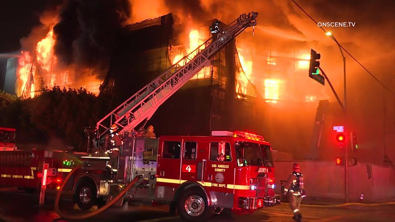Massive 3rd Alarm Fire Rips Through 5 Story Building In East La Youtube