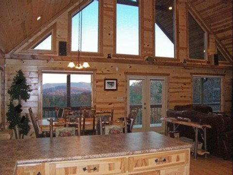 Romantic Getaway in Beautiful Blue Ridge, GA - Luxury Mountain Cabin Rental, Bears Den Luxury Cabin Retreat