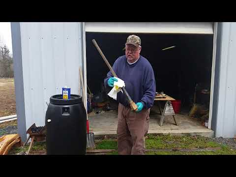 Maintaining garden tool handles