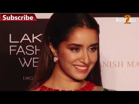 Shraddha Kapoor Oops moment during dhoni film promotion