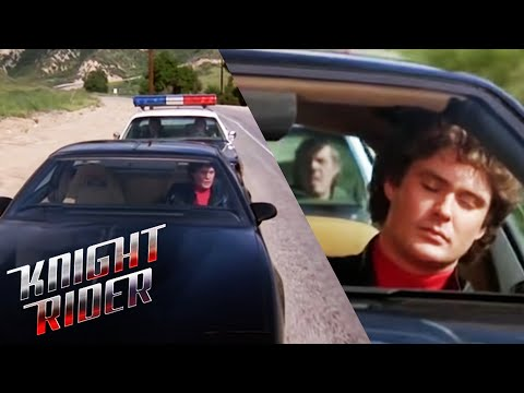 KITT Helps Michael Get Rid Of The Cops | Knight Rider