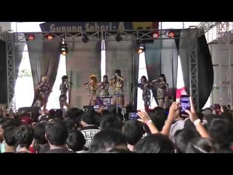 [Fancam] ENKA GIRLS live performance  @ Jakarta Idol Festival 2017