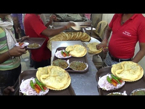 Popular Channa Bhature in Delhi | Sita Ram Diwan Chand | Mouthwatering Best Quality Chole