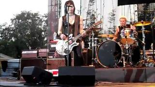 Joan Jett Hate Myself for Loving You 02/20/11 Busch Gardens Live
